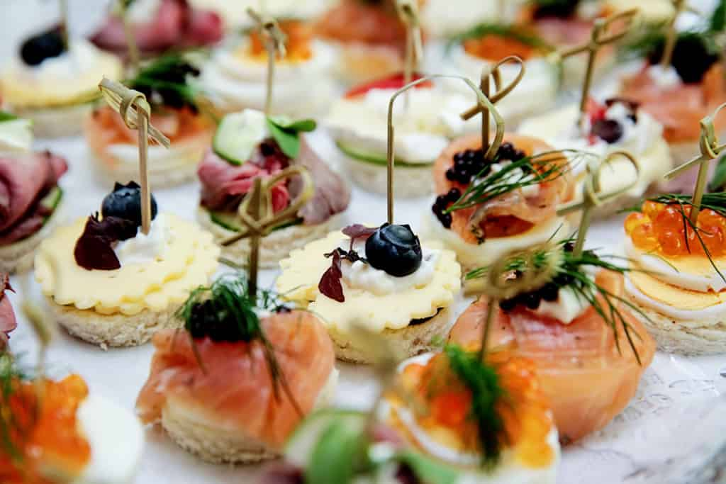 how to eat appetizers