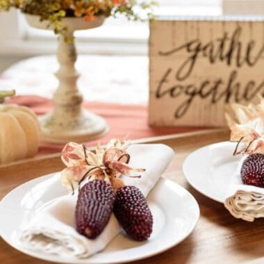 15-Beautiful-and-Easy-Ways-to-Decorate-Your-Thanksgiving-Table.jpeg