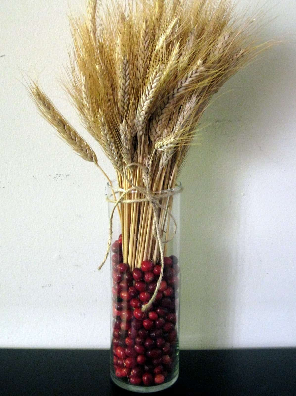 cranberry-and-wheat-thanksgiving-centerpiece